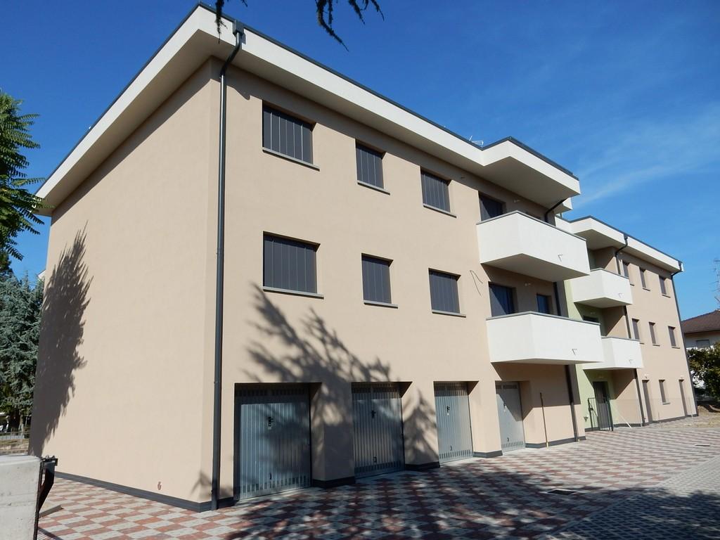 Edificio de varios pisos Rovereto (Módena)