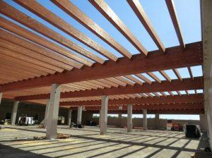 Copertura in legno lamellare ecosostenibile conad imola sistem costruzioni