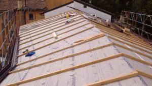 tetto di villa in legno xlam alto isolamento acustico e termico bologna bioedilizia